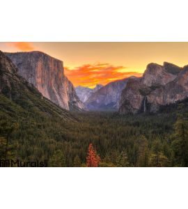 Breathtaking Yosemite national park at sunrise - dawn, California Wall Mural